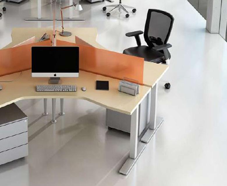Scrivania ufficio design finest great cool scrivania for Scrivania grande da ufficio
