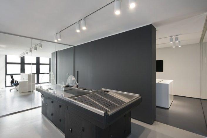 Arredamenti bologna e provincia cabina armadio angolo for Arredo ufficio modena