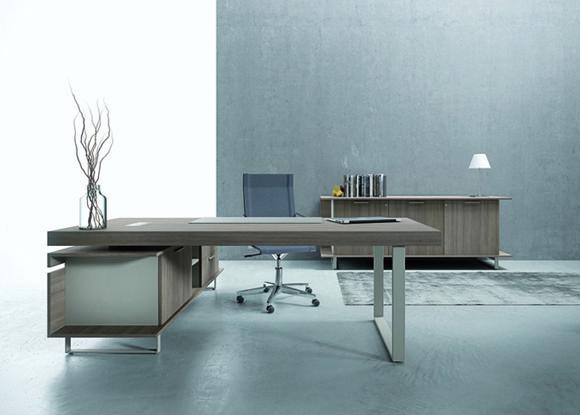 Stunning scrivania ufficio direzionale gam arredi leonardo for Arredo ufficio design low cost