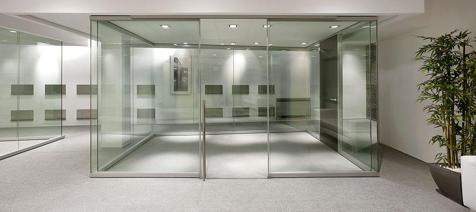 Pareti divisorie in vetro l 39 eleganza per i tuoi uffici for Divisori da ufficio