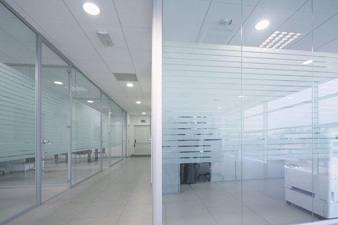 Pareti Di Vetro Prezzi : Pareti divisorie in vetro l eleganza per i tuoi uffici gam arredi