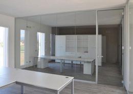 pareti vetrate ufficio con porta