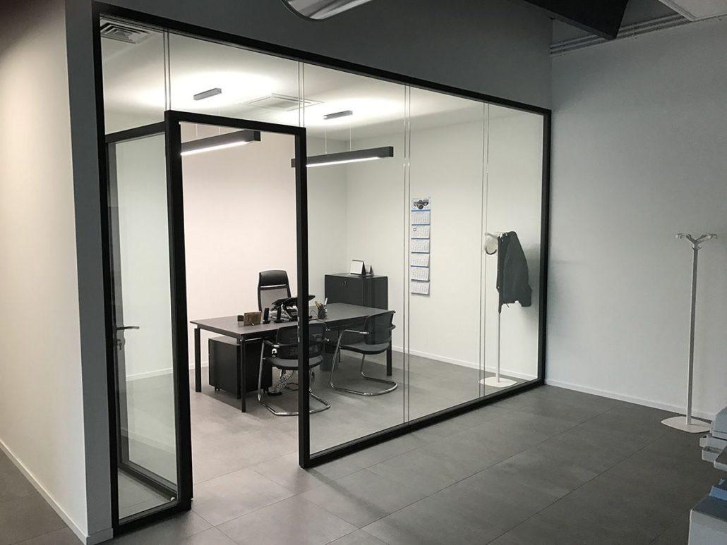 Pareti divisorie in vetro l 39 eleganza per i tuoi uffici for Pareti divisorie