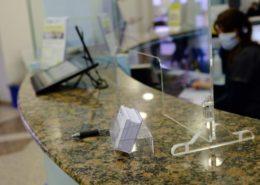 protezione per reception in plexiglass